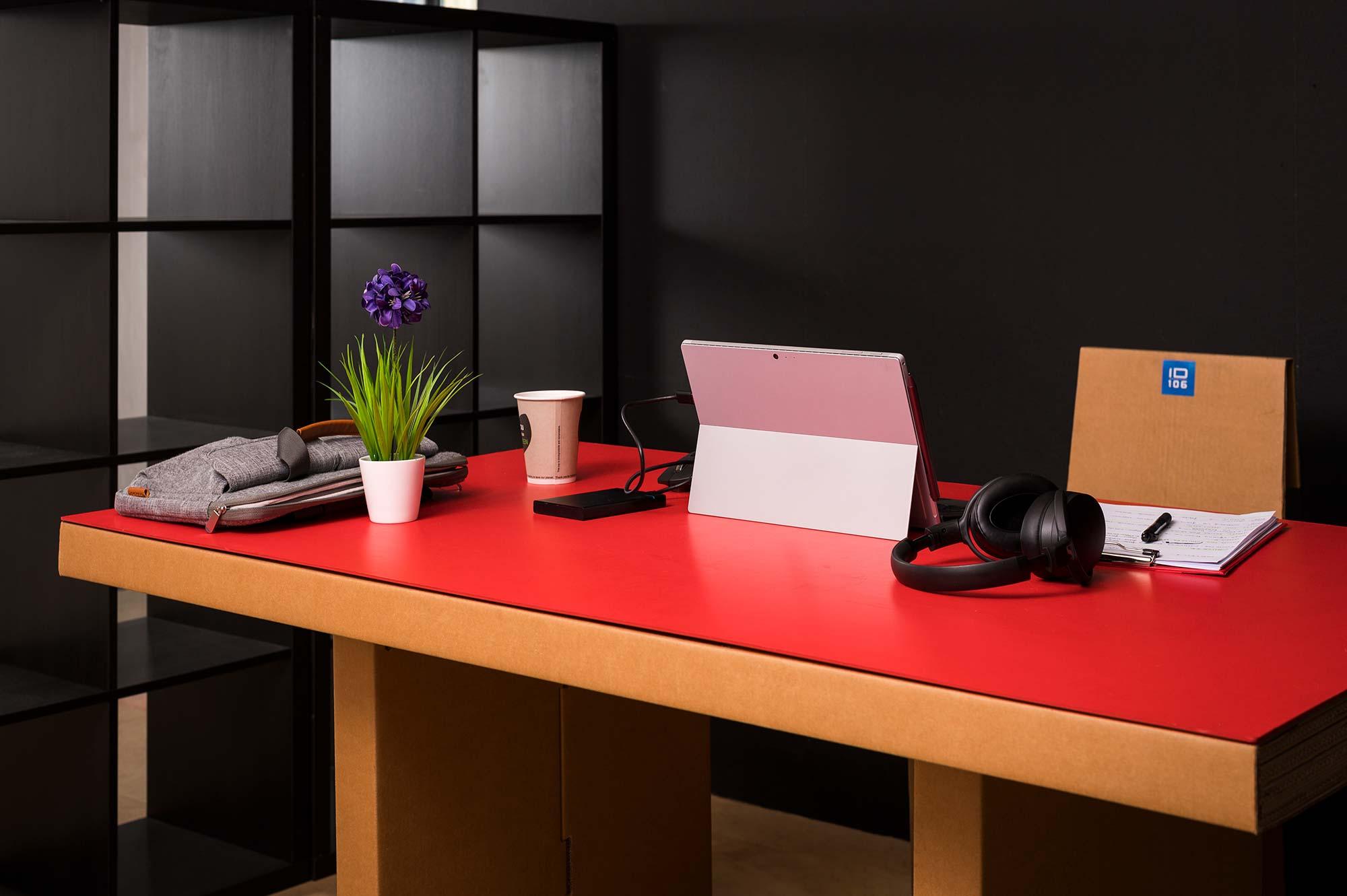 Desk-Bassa-